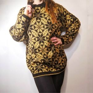 Alfred Dunner Gold Oversized Holiday Sweater